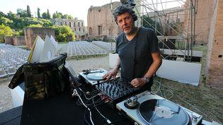 Le DJ italien Claudio Coccoluto à Rome en 2013. (ERNESTO RUSCIO / GETTY IMAGES EUROPE)
