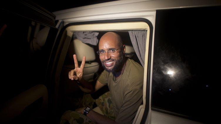 Le deuxième fils de Mouammar Kadhafi, Saïf al-Islam, à Tripoli (Libye) le 23 août 2011. (DARIO LOPEZ MILLS / AFP)