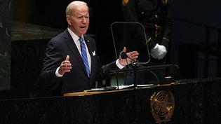 Le président américain, Joe Biden, prononce un discours durant l'Assemblée générale des Nations unies, à New York (Etats-Unis), le 21 septembre 2021. (TIMOTHY A. CLARY / POOL / AFP)