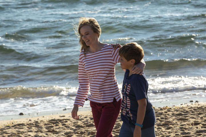 """Isabelle Carré dans """"L'esprit de famille"""" (CINE NOMINE - SAME PLAYER)"""