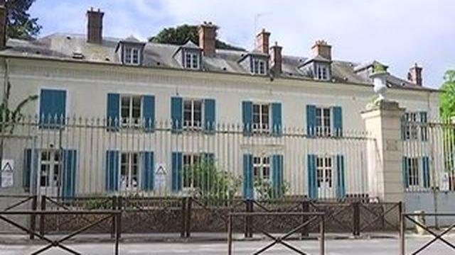 Les blouses tentent un retour à l'école en Seine-et-Marne
