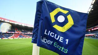 Le logo de la Ligue 1 avant un match entre le PSG et l'OM au Parc des Princes, à Paris, le 13 septembre 2020. (FRANCK FIFE / AFP)