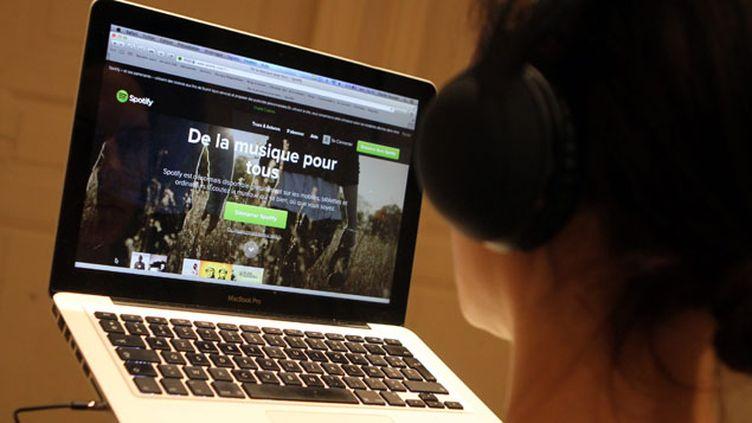 (Les plateformes s'engagent à mieux exposer les artistes français  © MaxPPP)