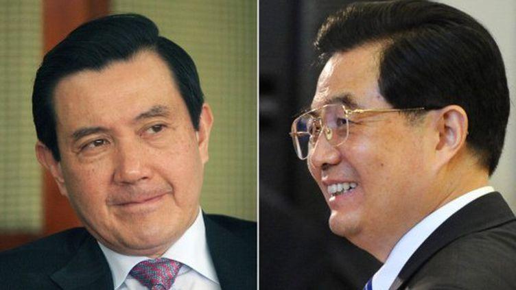 Ma Ying-jeou (à gauche) et Hu Jintao. (TIZIANA FABI / Mayerling GARCIA / FILES / AFP)