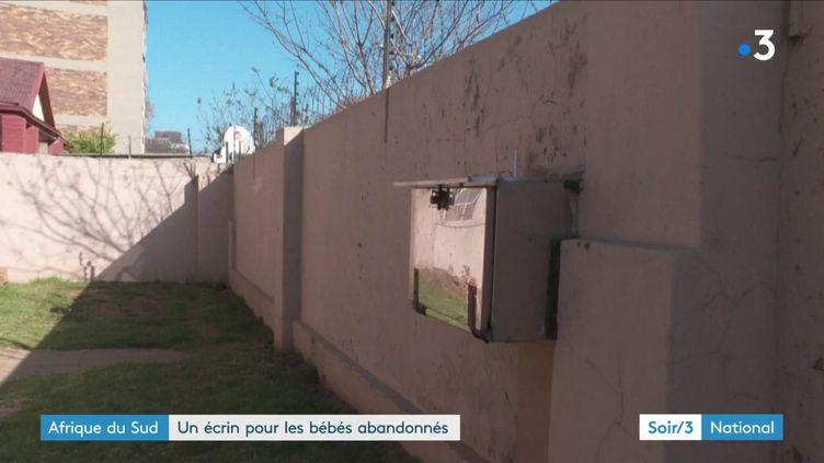La boîte à bébés installée à Johannesburg, en Afrique du Sud, pour recueillir les bébés abandonnés (France 3)