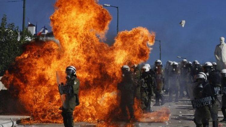 Des affrontements ont éclaté entre la police et les manifestants le 19 octobre 2011. (Angelos Tzortzinis / AFP)