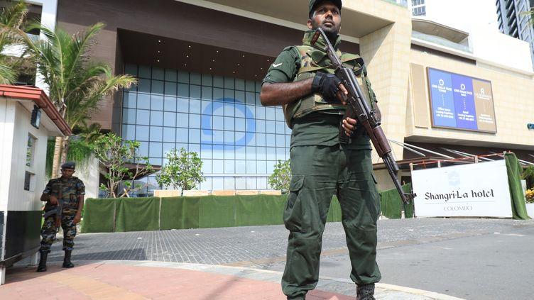 Un militaire à Colombo, au Sri Lanka, le 22 avril 2019. (ATSUSHI TAKETAZU / YOMIURI / AFP)