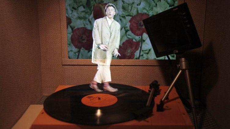 Un hologramme de Jacques Tati, à Paris en 2009. (AFP PHOTO / FRANCOIS GUILLOT)