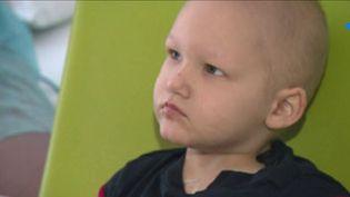 Valentin Tassart, 3 ans, atteint d'un cancer, va recevoir un don de moelle osseuse. (FRANCE 3)