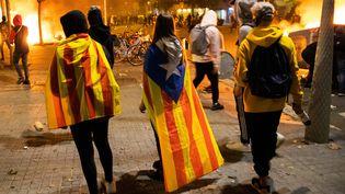 Des heurts ont éclaté en marge d'une manifestation d'indépendantistes catalans, le 16 octobre 2019, à Barcelone (Catalogne). (JEROME GILLES / NURPHOTO / AFP)
