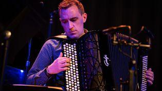 L'accordéonisteFélicien Brut en décembre 2020. (ARMEN DONEYAN)
