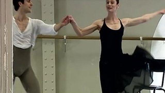 Au cœur des coulisses de l'école de danse de l'Opéra de Paris