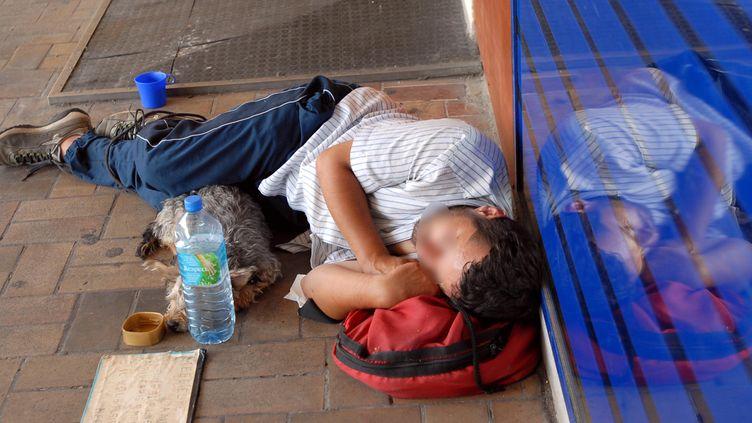 Les sans-abri souffrent particulièrement de la canicule. (DLABORDE / MAXPPP)