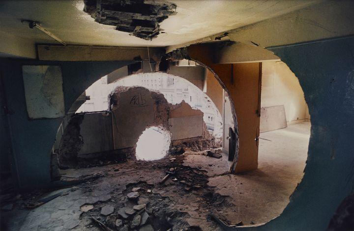 "Gordon Matta-Clark, ""Conical Intersect"", 1975 -Courtesy The Estate of Gordon Matta-Clark et David Zwirner, New York / Londres / Hong Kong.  (2018 The Estate of Gordon Matta-Clark / ADAGP, Paris )"