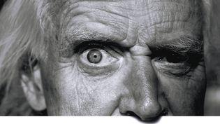 """Les yeux de Willem : détail de l'affiche """"Willem, un sujet qui fâche"""" au festival Itinérances d'Alès, avec la photo de Patrice Terraz.  (Patrice Terraz/Festival Itinérances d'Alès)"""