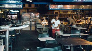 Un bar ferme à Marseille (Bouches-du-Rhône), le 26 août 2020. (THEO GIACOMETTI / HANS LUCAS / AFP)