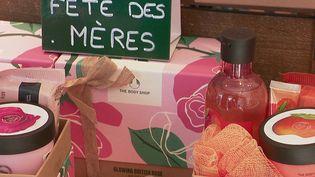 Fête des mères : une bouffée d'air bienvenue pour les commerçants (France 2)