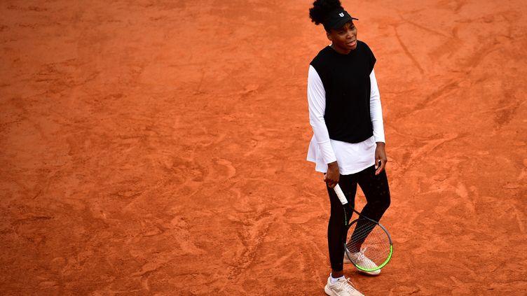 Venus Williams, legging et veste manches longues sont de sortie sous ce froid. (MARTIN BUREAU / AFP)