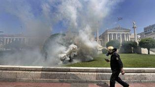 Incidents à la fin de la manifestation syndicale à Athènes (11 mai 2011) (AFP/ARIS MESSINIS)