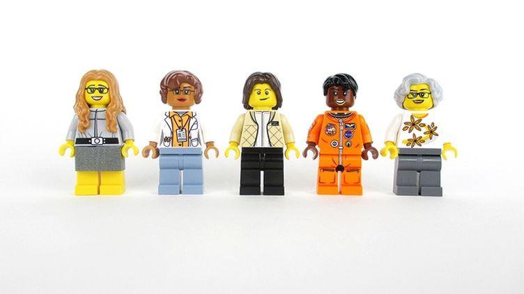 """Les figurines des """"Femmes de la Nasa""""proposées par Maia Weinstock à Lego. (MAIA WEINSTOCK / LEGO)"""