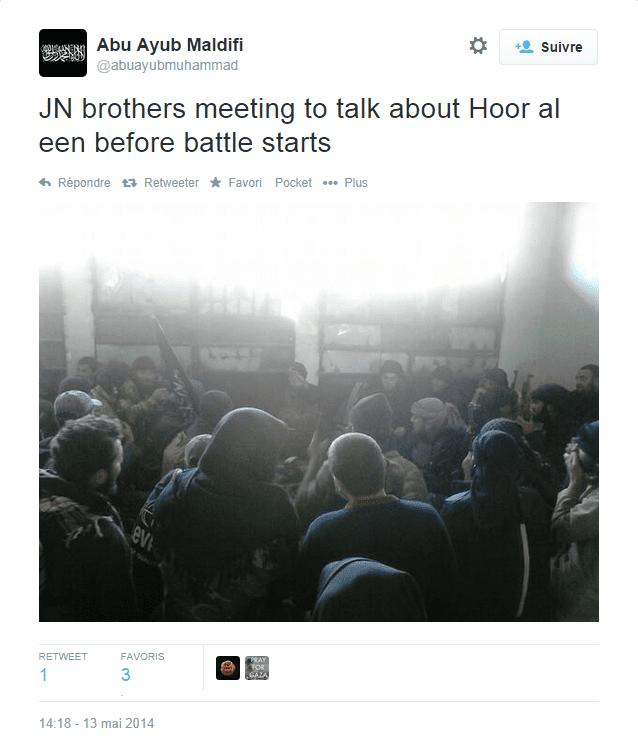 Des combattants du Front Al-Nosra se réunissent avant une bataille, le 13 mai 2014. La localisation n'est pas indiquée. (ABU AYUB MALDIFI)