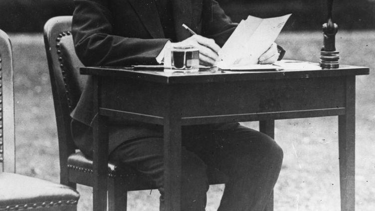 Le président Calvin Coolidge, dans le jardin de la Maison blanche, le 30 octobre 1924. (PHOTOQUEST / ARCHIVE PHOTOS)