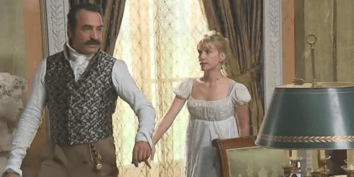 """Jean Dujardin et Mélanie Laurent sur le tournage du """"Retour du héros""""  (Capture d'image France3/Culturebox)"""