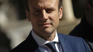Emmanuel Macron lors de sa visite en Algérie, le 14 février 2017. (STRINGER / AFP)
