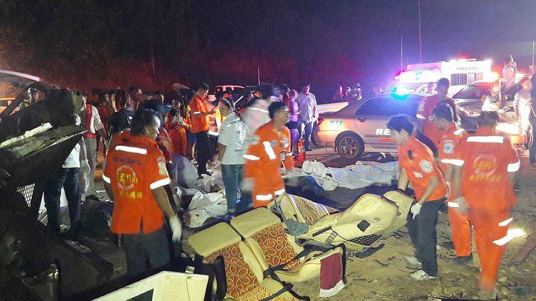 Unaccident de bus a fait plusieursmorts et des dizaines de blessés, le 21 mars 2018 dans la province de l'Issan (Ailante). (HANDOUT / NAKHON RATCHASIMA DISASTER PREVE / AFP)