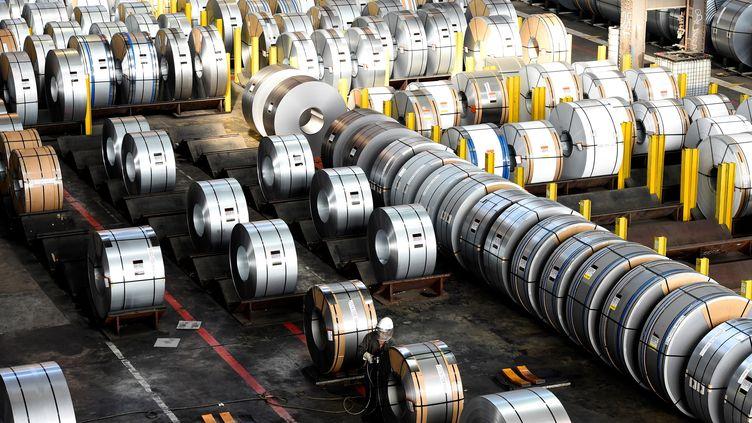 Les Etats-Unis ont décidé d'instaurer des droits dedouane supplémentaires de 25% sur les importations d'acier et de 10% sur celles d'aluminium en provenance de l'Union européenne ainsi que du Canada et du Mexique. (TOBIAS SCHWARZ / AFP)