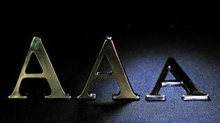 L'agence de notation Standard & Poor's a dégradé la note de la France, le 13 janvier 2012. (PHILIPPE HUGUEN / AFP)