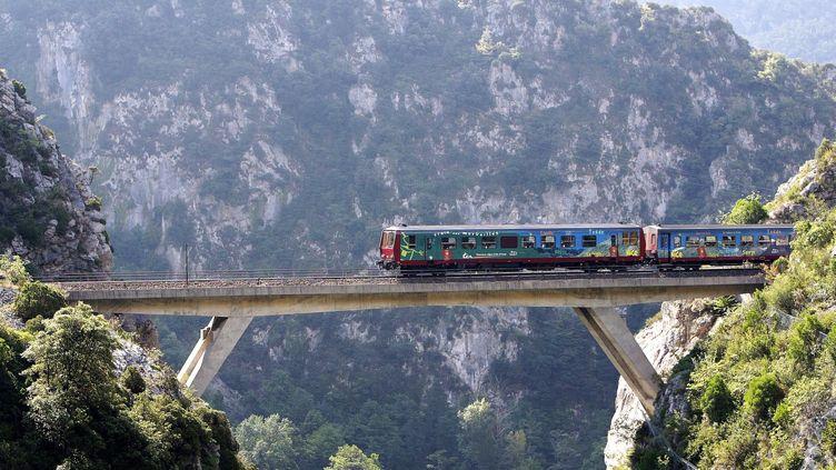 """Photo d'illustration de la """"ligne des Merveilles"""" entre Nice et Tende (Provence-Alpes-Côte-d'Azur) le 30 août 2004. (MAXPPP)"""
