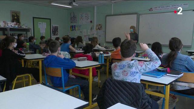 Enfants et adolescents : la vaccination contre le Covid-19 en questions