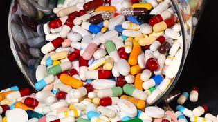 Pour la première fois, les dépenses de médicaments se sont stabilisées en 2011. (PHILIPPE HUGUEN / AFP)