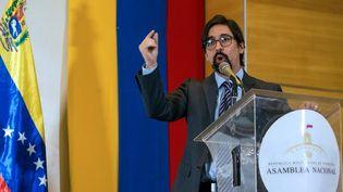 L'opposant vénézuélien Freddy Guevara, le 19 novembre 2020 lors d'un discours à l'Assemblée nationale à Caracas (Venezuela). (CRISTIAN HERNANDEZ / AFP)