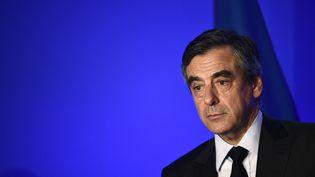 François Fillon lors d'un meeting à Paris, le 29 mars 2017. (MARTIN BUREAU / AFP)