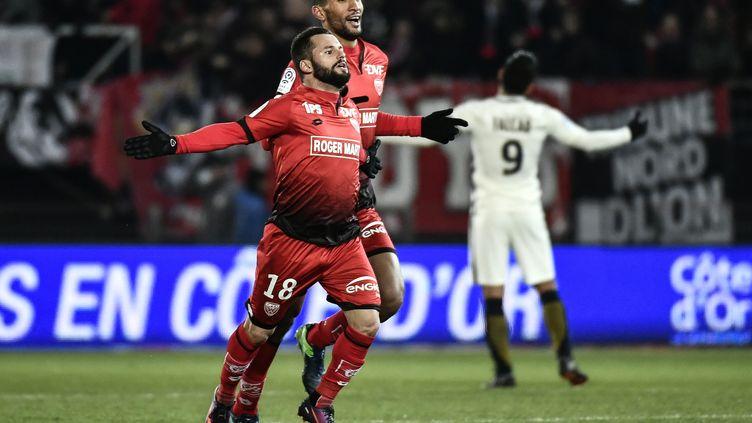 L'attaquant dijonnais Frédéric Sammaritano exulte après son égalisation face à Monaco. (JEFF PACHOUD / AFP)