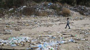Les ordures sur la place de Dbayeh, au nord de Beyrouth, en 2017. (JOSEPH EID / AFP)