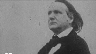 Les passionnés de Victor Hugo sont appelés à se mobiliser : la maison de son exil, située à Guernesey, nécessite d'importants travaux.  (France 2)