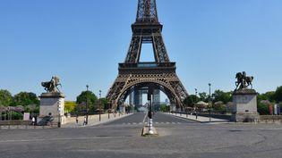 Le pont d'Iéna, le 27 avril 2020, à Paris. (ANTOINE LORGNIER / ONLY FRANCE / AFP)