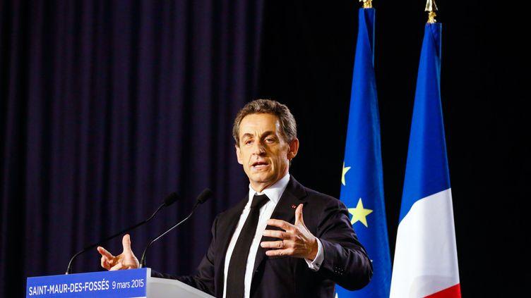 Le président de l'UMP, Nicolas Sarkozy, en meeting pour les élections départementales à Saint-Maur-des-Fossés (Val-de-Marne), le 9 mars 2015. (JALLAL SEDDIKI / CITIZENSIDE / AFP)