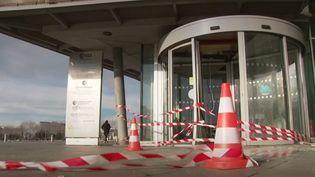 Mercredi 15 janvier, un policier a été blessé au Havre (Seine-Maritime). L'un de ses doigts a été arraché par un pétard jeté par des manifestants opposés à la réforme des retraites. (FRANCE 3)