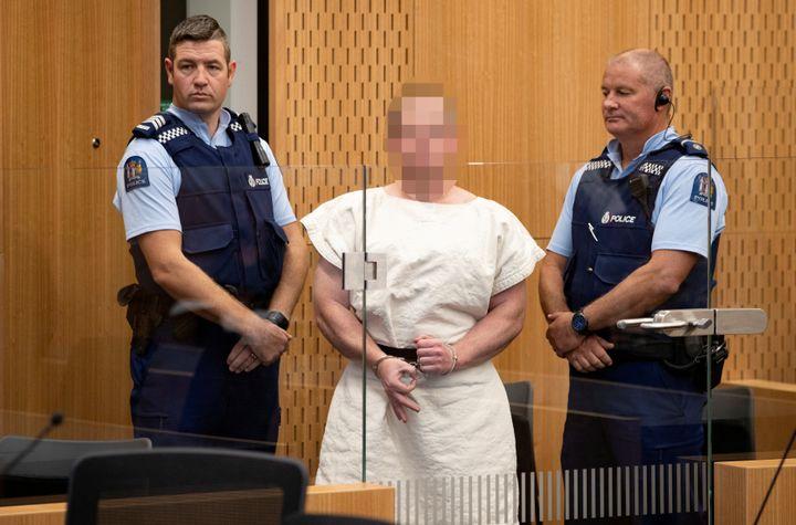 Brenton Tarrant, mis en examen dans l'enquête sur l'attentat contre deux mosquées à Christchurch, dans un tribunal de Nouvelle-Zélande, le 16 mars 2019. (EYEPRESS NEWS / AFP)