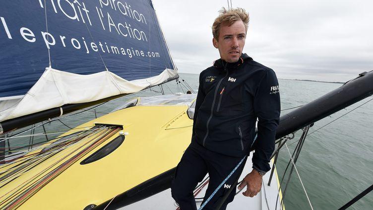 Thomas Ruyant, deux mois avant son départ pour le Vendée Globe 2016, le 5 septembre 2016 à Dunkerque. (MARC DEMEURE / MAXPPP)