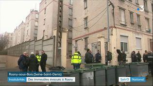 Un immeuble jugé dangereux a été évacué à Rosny-sous-Bois (Seine-Saint-Denis). (FRANCE 3)