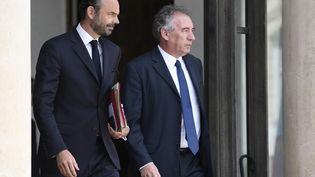 Le Premier ministre, Edouard Philippe, et le garde des Sceaux, François Bayrou, à la sortie du conseil des ministres, à l'Elysée (Paris), le 31 mai 2017. (STEPHANE DE SAKUTIN / AFP)