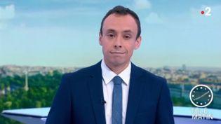 Anthony Jolly présentateur du 8 heures. (Capture écran France 2)
