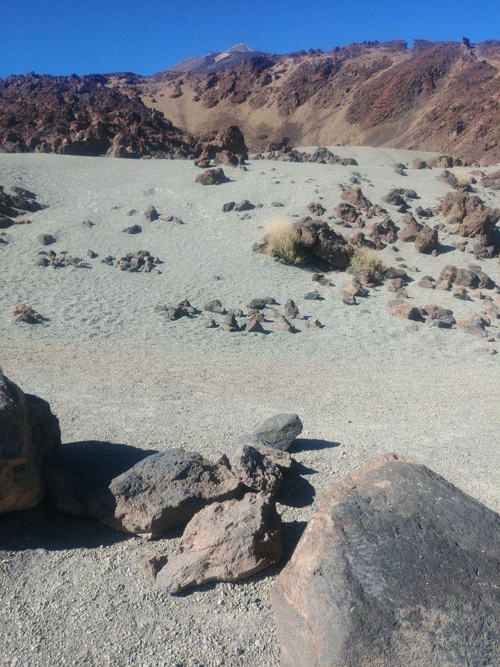 Ces étendues de lave peuvent aussi faire penser à Mars. Les scientifiques de l'Agence spatiale européenne ont d'ailleurs testé au Teide des robots qu'ils enverront ensuite sur la Planète rouge. (Photo Emmanuel Langlois)