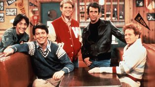 "Les vedettes de la série ""Happy Days"" au milieu des années 70 : Scott Baio, Anson Williams, Ron Howard, Henry Winkler, Don Most (RONALDGRANT / MARY EVANS / SIPA)"