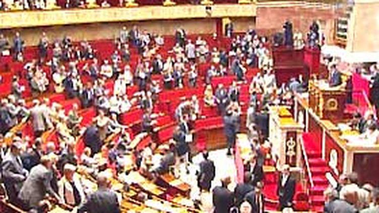 Le débat parlementaire sur le projet de loi de finances 2010 prévoit un déficit budgétaire de 116 milliards d'euros. (© France)